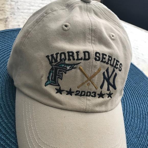 e41a438cdbb World Series FL Marlins   NY Yankees Hat. M 5ae7b888fcdc313f0b2a72c1